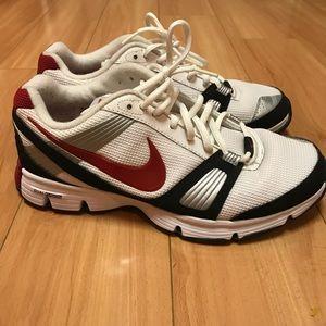 Nike Dual Fusion TR, like-new! Size 8 men's